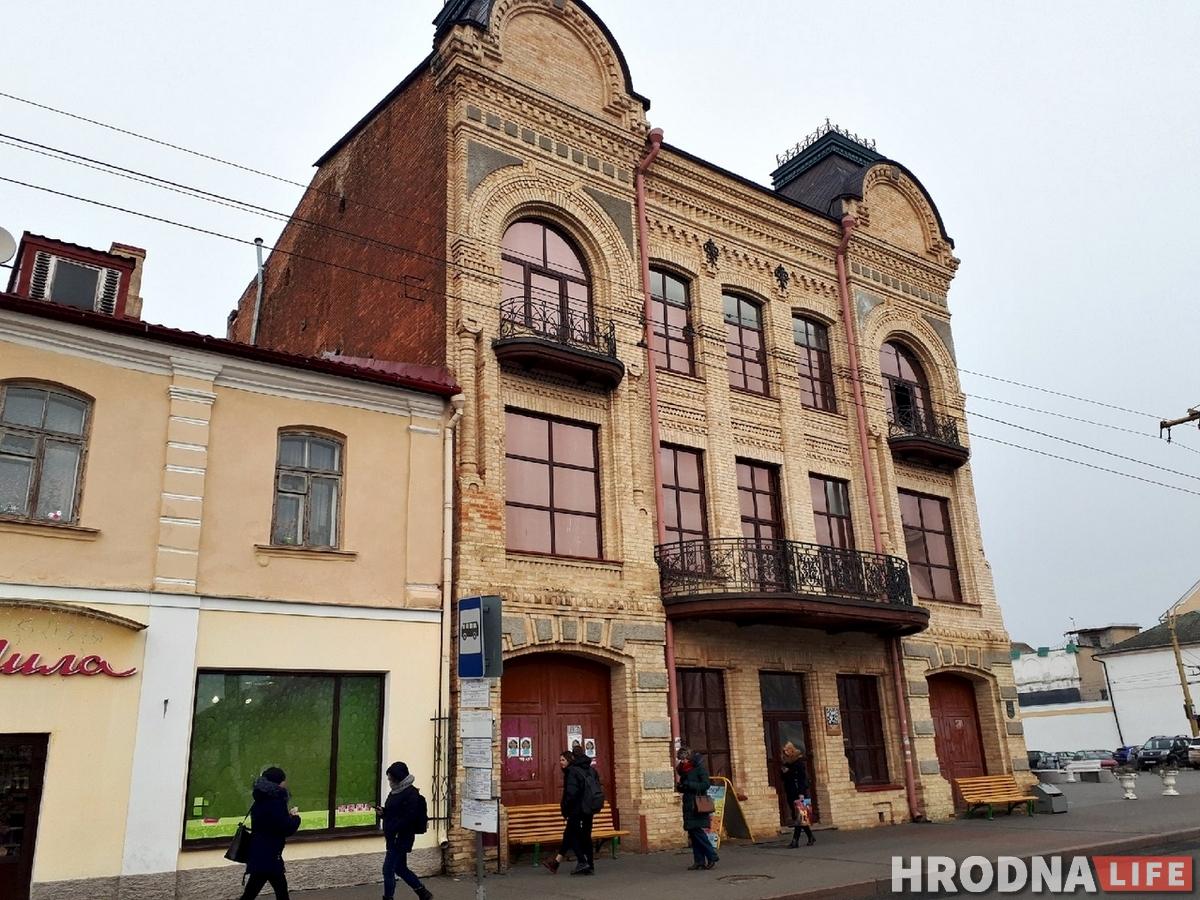 Перад рэканструкцыяй: як выглядае ўсярэдзіне дом купца Мураўёва