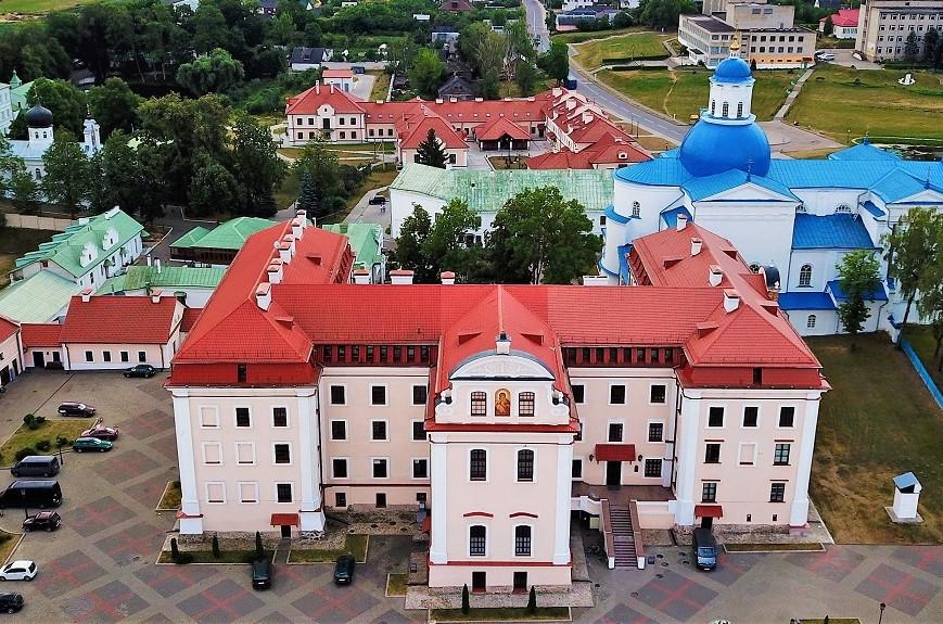 Как мы прожили год коронавируса в Гродно: действия властей, взаимопомощь общества и цифры, в которые не верил никто