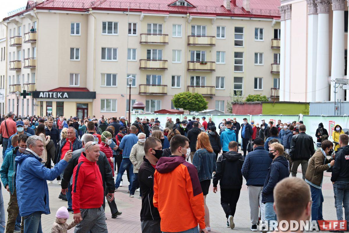 У Гродне сотні людзей прыйшлі на пікеты праціўнікаў Лукашэнкі