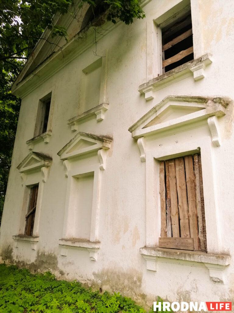 Самы буйны маёнтак ВКЛ, палац Храптовічаў у Шчорсах, выставілі на продаж. Паўторна