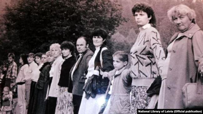 """Ждем вас на границе!"""" 10 000 литовцев встанут в цепь солидарности с Беларусью от Вильнюса до  границы"""
