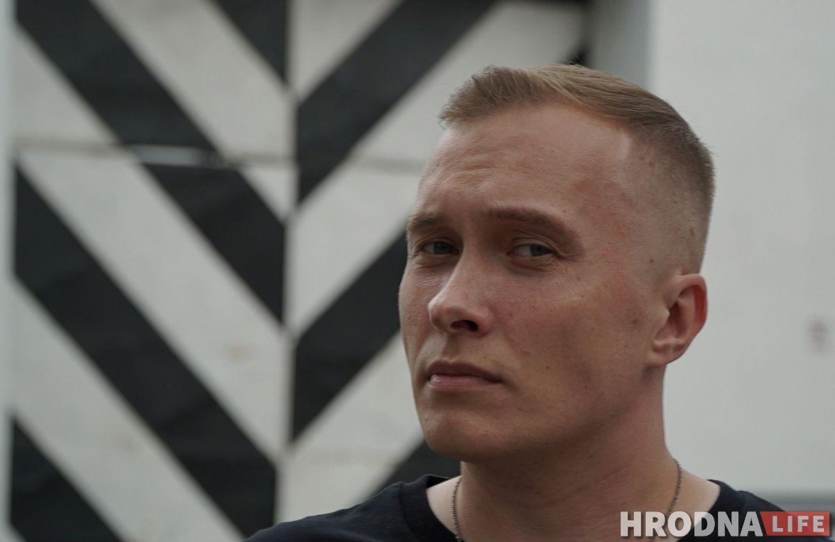 «Фашисты в кино — вежливые люди по сравнению с ними». Бармен из Гродно, — о 14 часах после встречи с ОМОНом