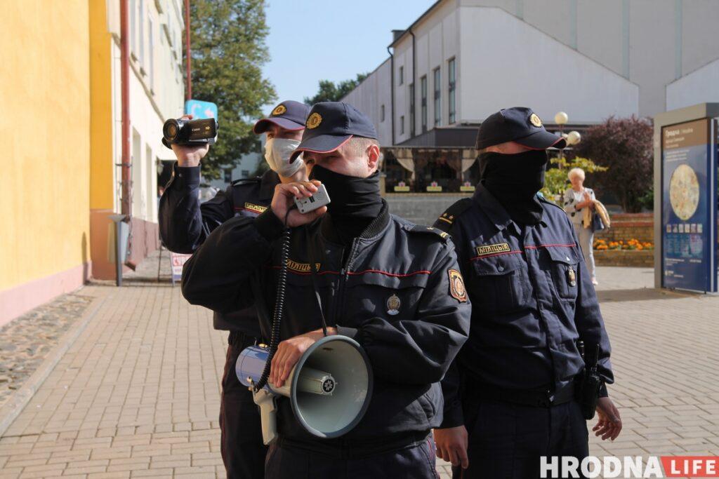 """Лукашенко лишил званий бывших силовиков. Экс-капитан милиции из Гродно: """"Я как был офицером, так и остался"""""""