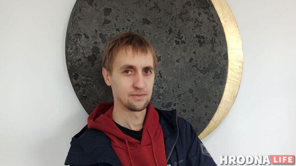 "Александр Балдаков, автор выставки ""In forma"""