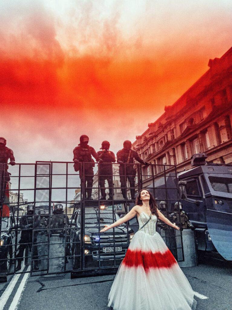 Іна Зайцава на адной з акцый пратэсту ў Мінску. Фота: Ягор Войнаў