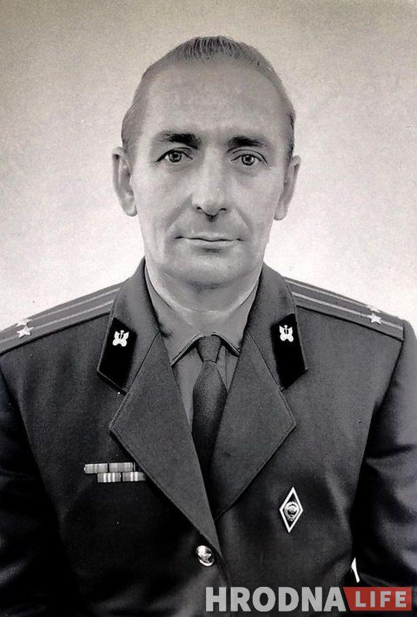 На помойке в Гродно нашли старые фото и пленки. Кому они принадлежали?