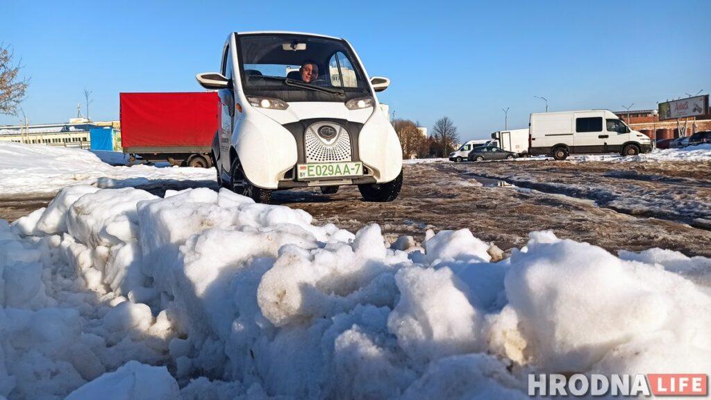 Электромобиль Sidus A01 сделан в Китае. Сергей Жильцов хочет сдавать его в аренду в Гродно