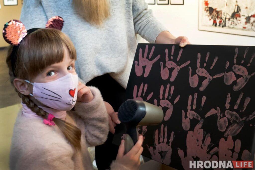 Благотворительность и дело жизни. В Гродно открывается выставка в поддержку детского хосписа