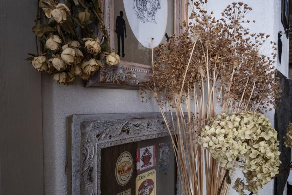 В гостиной – стена монастыря, за окном – кабак. Дизайнерка из Гродно – о жизни в историческом доме
