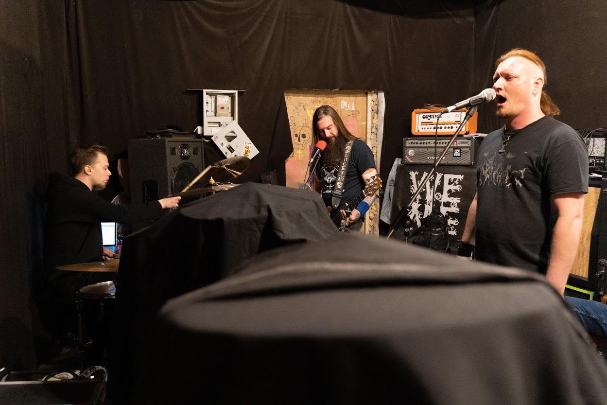 Rammstein і коцікі. Два браты, два айцішнікі і чыгуначнік адыграюць у Гродне трыб'ют улюбёнага гурта