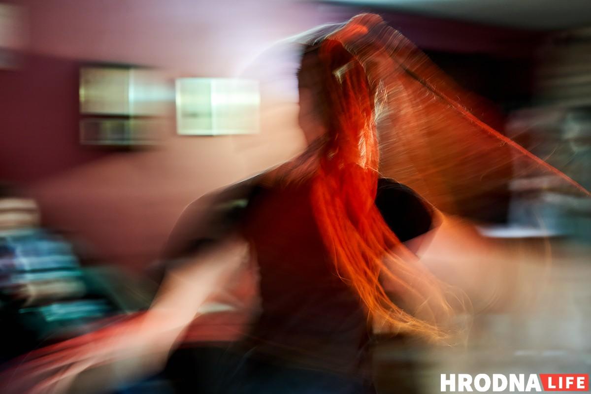 Танцы, вініл і дрэды: у бары «Quester» прайшла першая вечарына з дыджэямі