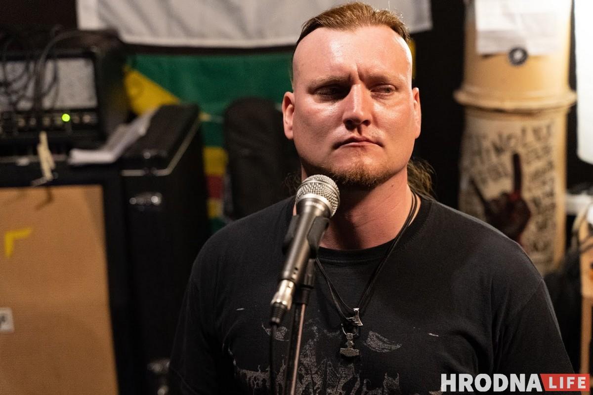 Вадим Кривоносов фанат группы Rammstein и немецкого языка. Раньше петь не пробовал