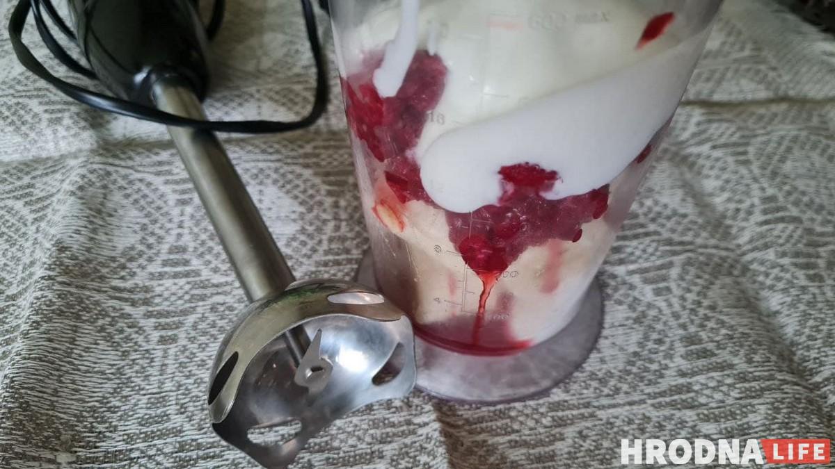 Готовь быстро, ешь медленно. Панкейки из тыквы и ягодный смузи для воскресного завтрака
