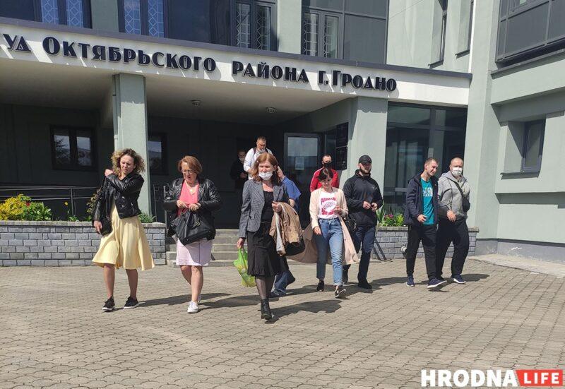 """Гродненцам запросили наказания по """"делу Тихановского"""". Пять фактов про дело, которое длится год (обновлено)"""