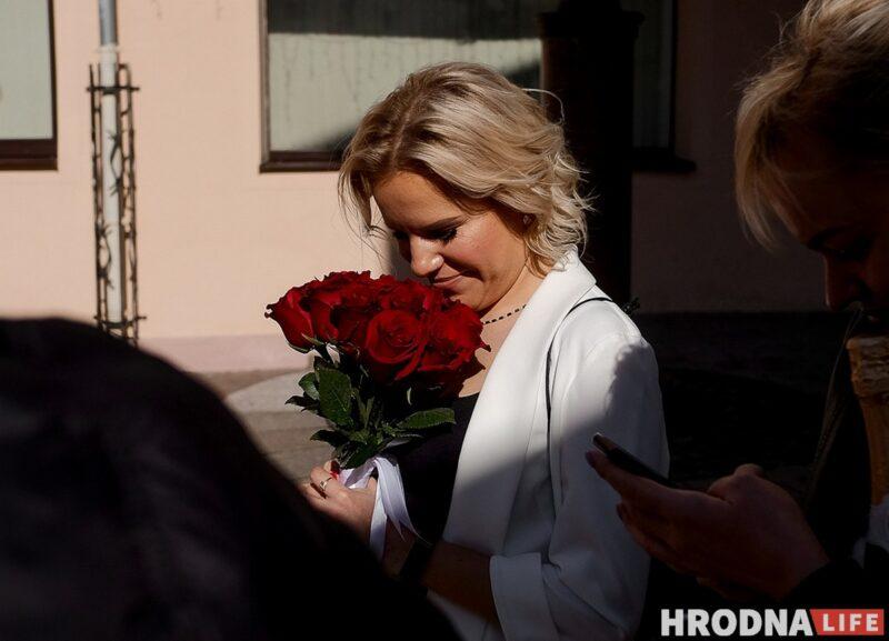 Валерия у стен тюрьмы, в день свадьбы 5 мая