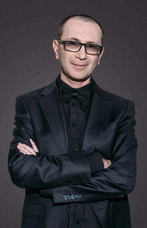мода 50+, Константин Богомолов – имидж-дизайнер и аналитик моды, руководитель Международного учебного центра «Bogomolov' Image School». Рига, Латвия