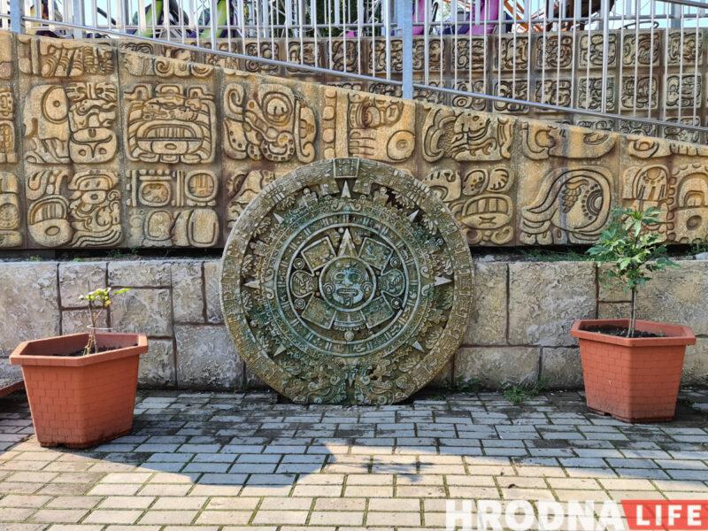 Американские горки в стиле майя: аттракционам в парке Жилибера меняют вид