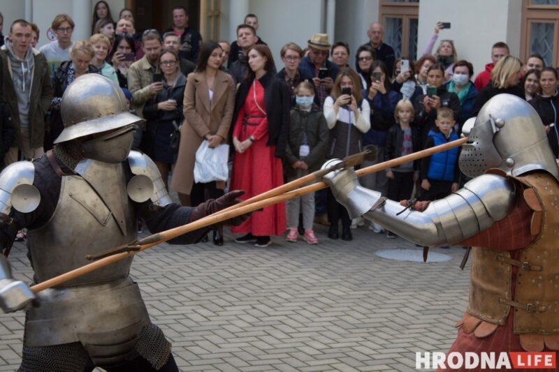 Повседневность средневековья и путь из варягов в греки. В Гродно прошел фестиваль с играми, танцами и поединками